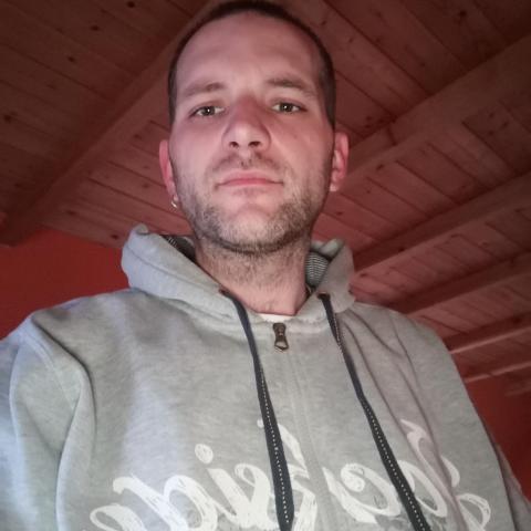 Peti, 33 éves társkereső férfi - Sárszentmihály