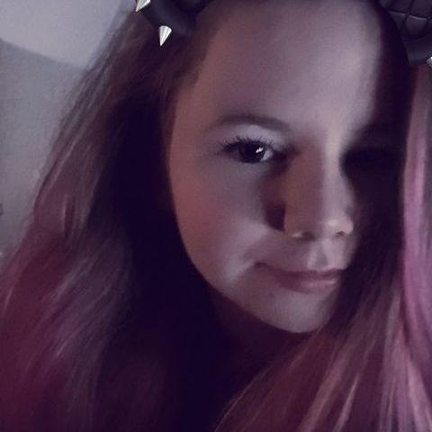 Dorci, 18 éves társkereső nő - Veszprém