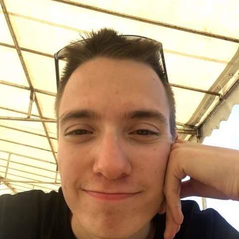 Benedek, 23 éves társkereső férfi - Miskolc