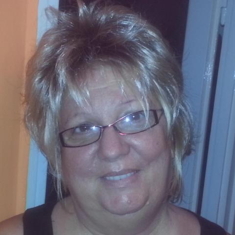 Évi, 62 éves társkereső nő - Miskolc