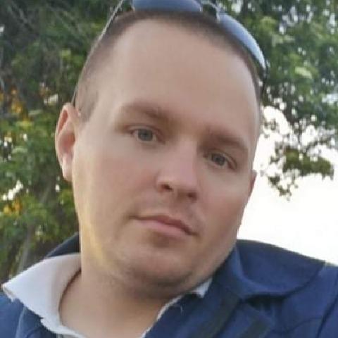 András, 32 éves társkereső férfi - Üllő