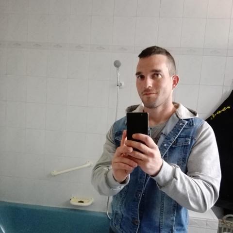 Sanyi, 29 éves társkereső férfi - Tata