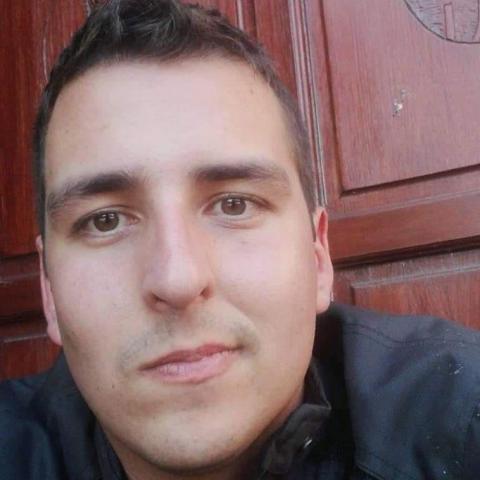 Robi, 25 éves társkereső férfi - Úrhida