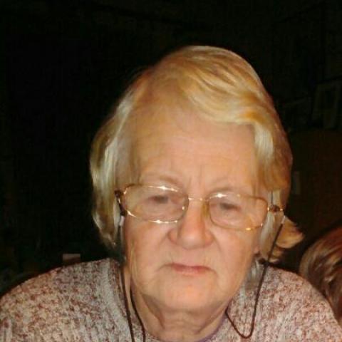 Éva, 67 éves társkereső nő - Pincehely