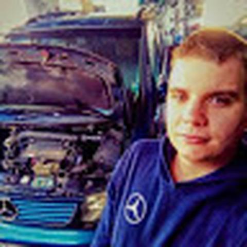 PaTrIk, 21 éves társkereső férfi - Kečovo