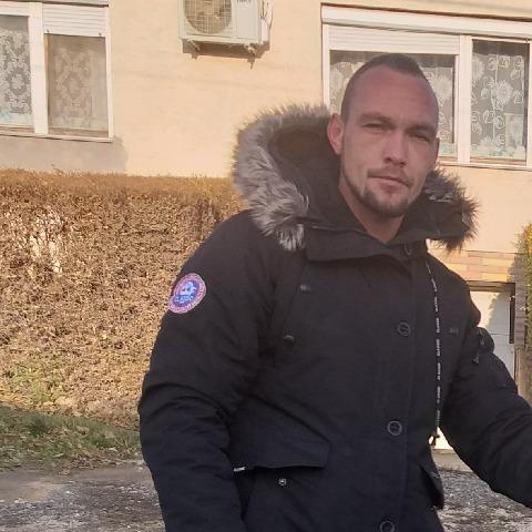 István, 28 éves társkereső férfi - Adony