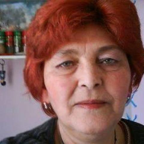 Oláh, 68 éves társkereső nő - Bátonyterenye