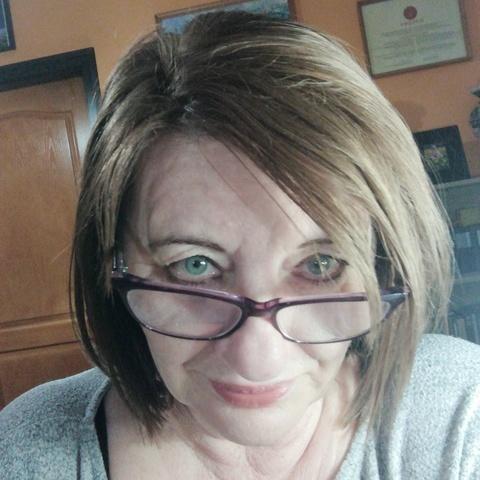 Erika, 62 éves társkereső nő - Székesfehérvár