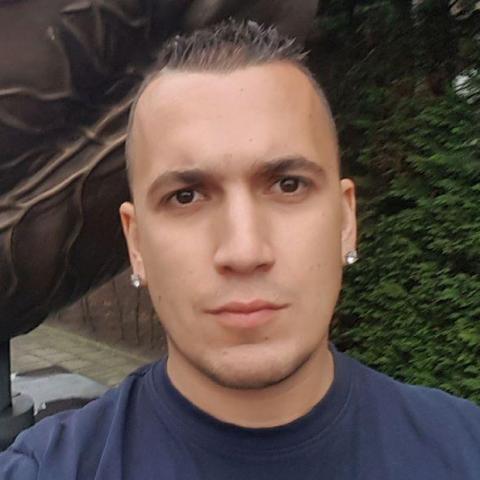 Zsolt, 32 éves társkereső férfi -