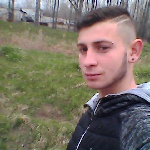 Jani, 21 éves társkereső férfi - Bátaszék