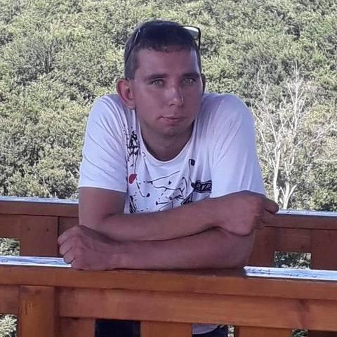 Attila, 24 éves társkereső férfi - Csetény