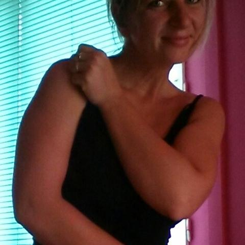 Szilvi, 37 éves társkereső nő - Gárdony