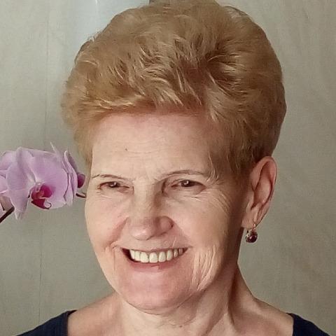 Vali, 67 éves társkereső nő - Győr