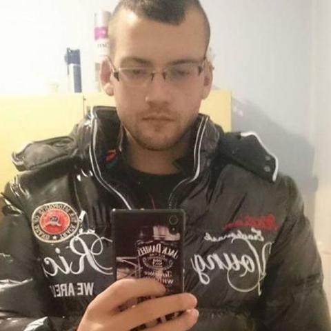László, 28 éves társkereső férfi - Kurd