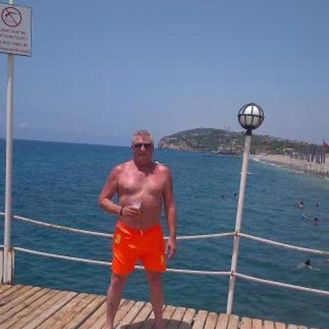 Lajos, 57 éves társkereső férfi - Tiszaújváros