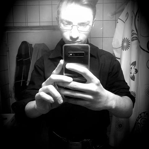 Dávid, 20 éves társkereső férfi - Egyek