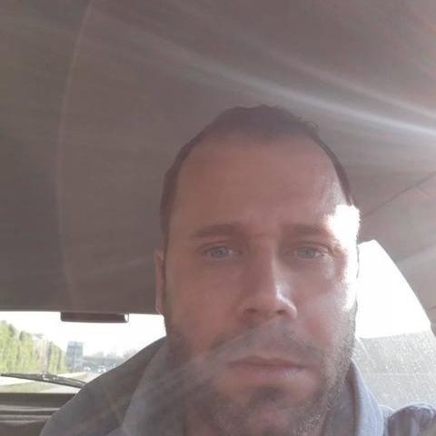 József, 38 éves társkereső férfi - Golling