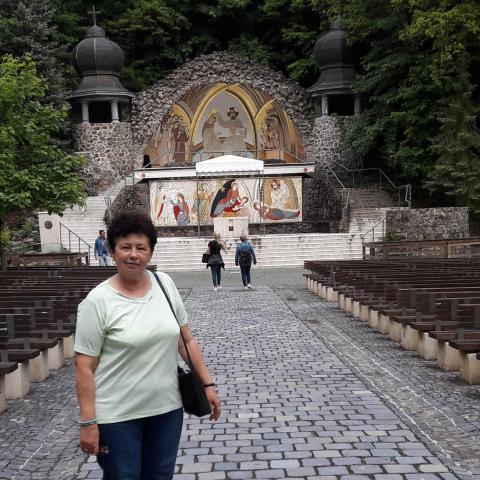 Zsófi, 67 éves társkereső nő - Tiszaújváros