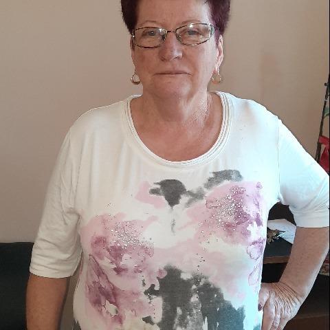 Erzsébet, 64 éves társkereső nő - Nyírkarász