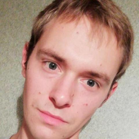 Dárió, 23 éves társkereső férfi - Cegléd