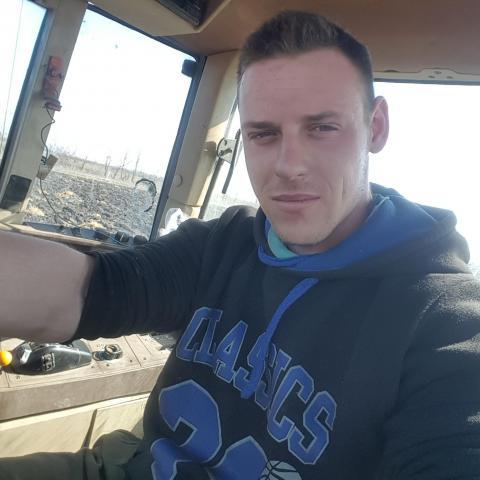 Gábor, 22 éves társkereső férfi - Békéscsaba