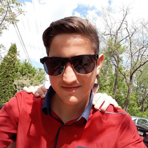 Károly, 19 éves társkereső férfi - Madocsa