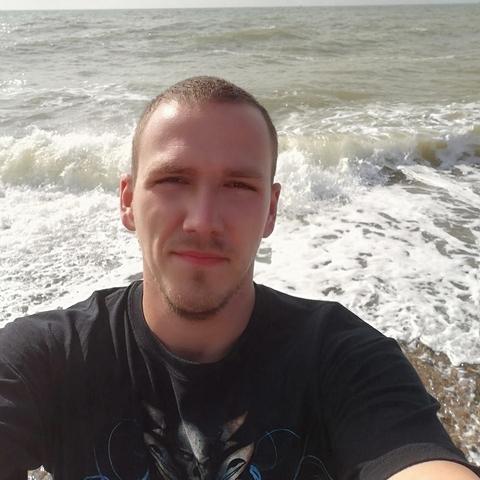 Róbert, 25 éves társkereső férfi - Nagybarca