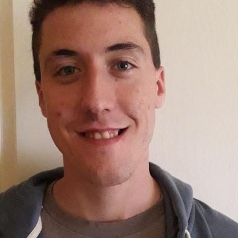 Ákos, 23 éves társkereső férfi - Tiszakeszi