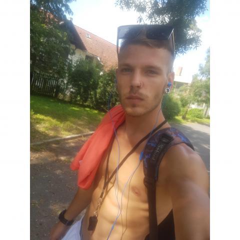 Krisztián, 21 éves társkereső férfi - Barcs