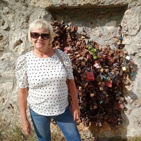 Hajnalka, 64 éves társkereső nő - Székesfehérvár