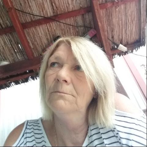 Juli, 64 éves társkereső nő - Szentmártonkáta