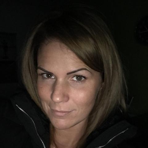 Reni, 28 éves társkereső nő - Délegyháza