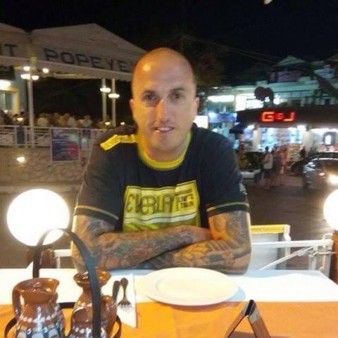 Attila, 39 éves társkereső férfi - Tiszaújváros