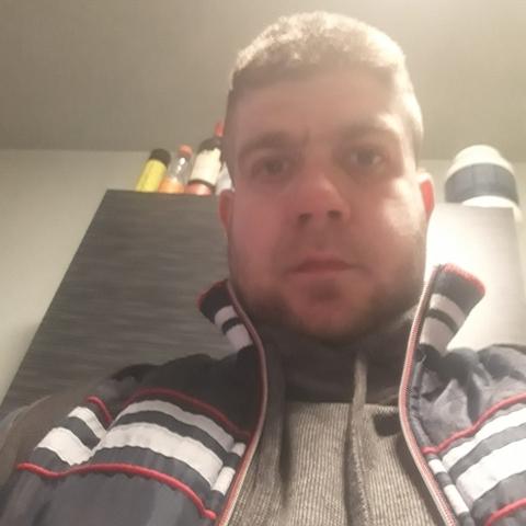 Gábor, 35 éves társkereső férfi - Harsány