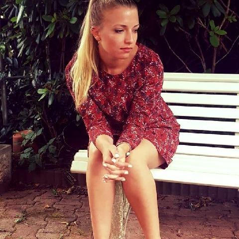 Adél, 26 éves társkereső nő - Budapest