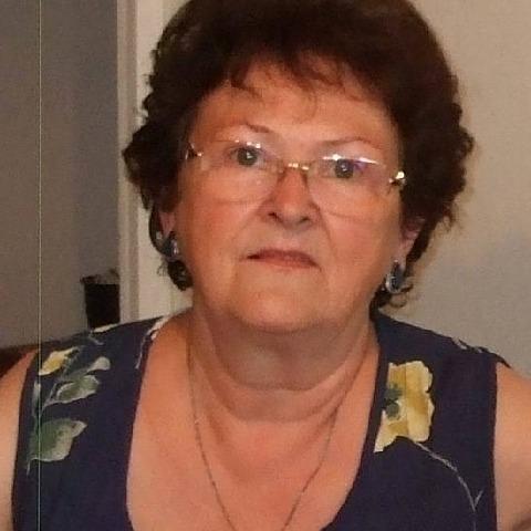 Enikő, 68 éves társkereső nő - Csikszereda
