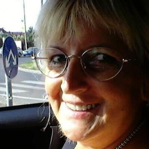 Zsóka, 66 éves társkereső nő - Komló