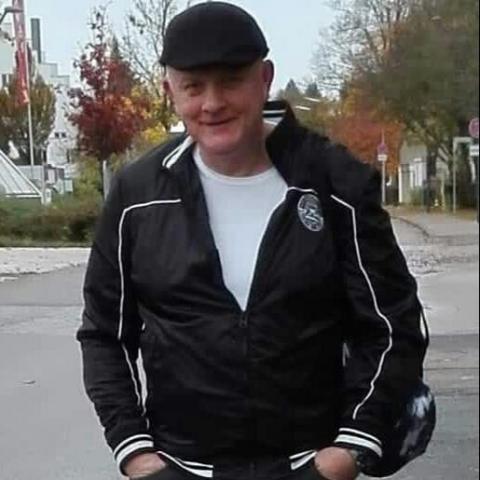 Csaba, 48 éves társkereső férfi -