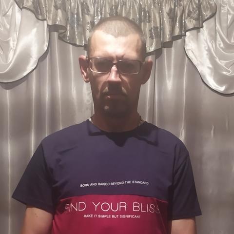 Karcsi, 43 éves társkereső férfi - szernye