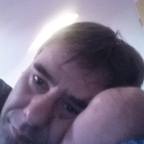 Miki , 46 éves társkereső férfi - Nyíregyháza
