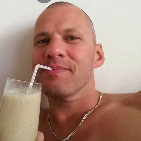 András, 39 éves társkereső férfi - Nagyoroszi