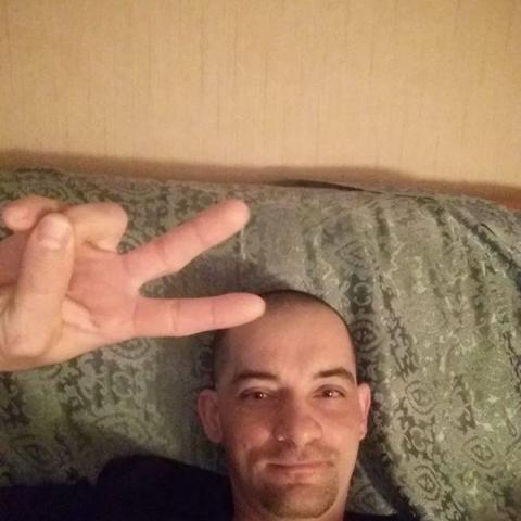 Karoly, 36 éves társkereső férfi - Nagyoroszi