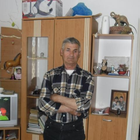 Tibor, 72 éves társkereső férfi - Dunavecse