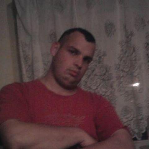 Róbert, 29 éves társkereső férfi - Dúzs