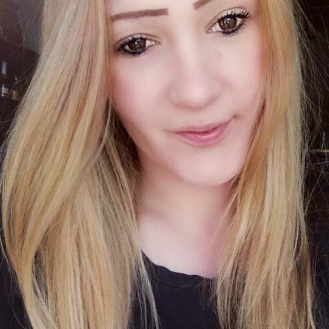 Viktória, 27 éves társkereső nő - Miskolc