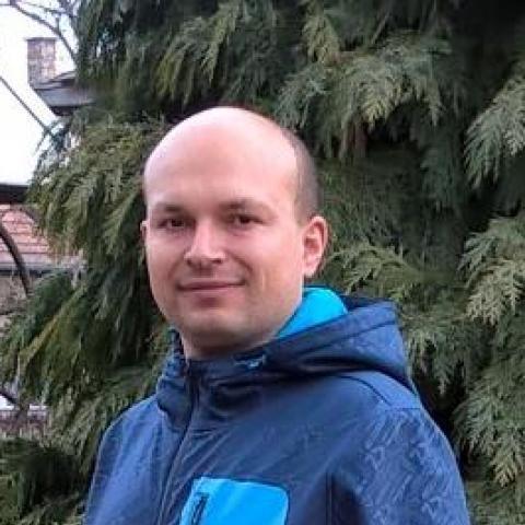 Zoli, 42 éves társkereső férfi - Diósjenő