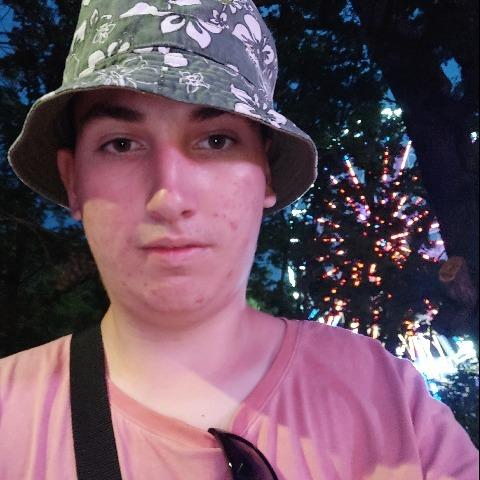 János, 22 éves társkereső férfi - Debrecen