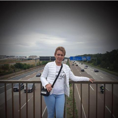 Hajnalka, 47 éves társkereső nő - Sepsiszentgyörgy