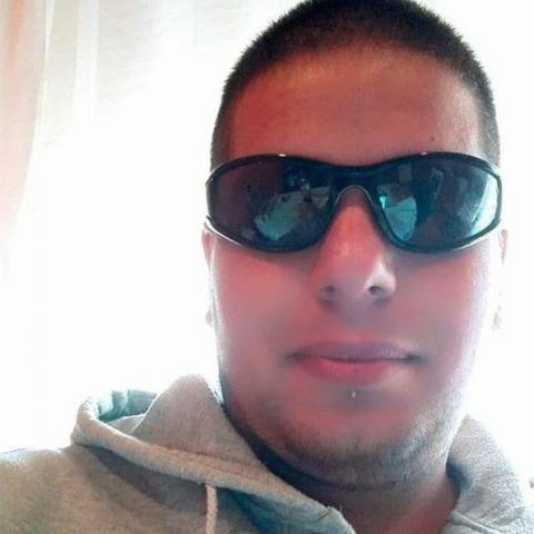 Roland, 22 éves társkereső férfi - Miskolc