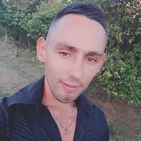 Csabi, 25 éves társkereső férfi - Túrkeve